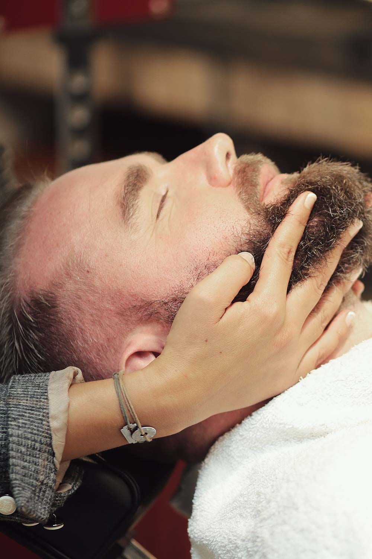 l 39 atelier vintage lyon coiffeur barbier pour homme rasage au coupe choux l 39 atelier vintage. Black Bedroom Furniture Sets. Home Design Ideas